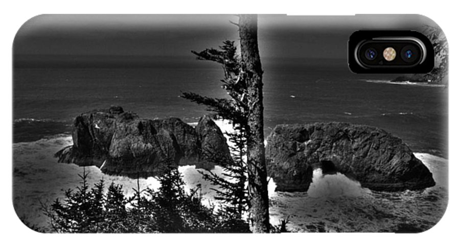 Ocean IPhone X Case featuring the photograph Arch Rock Oregon Coast by One Rude Dawg Orcutt