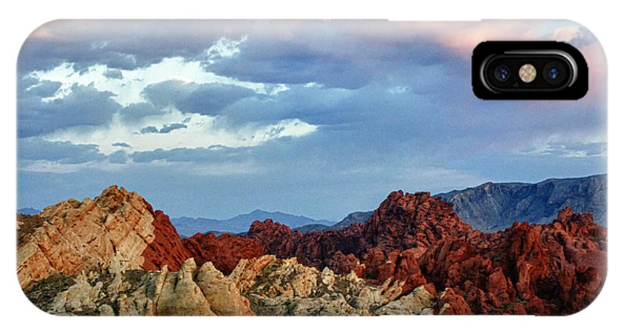 Valley Of Fire IPhone X Case featuring the photograph Split Fire by Linda Dunn