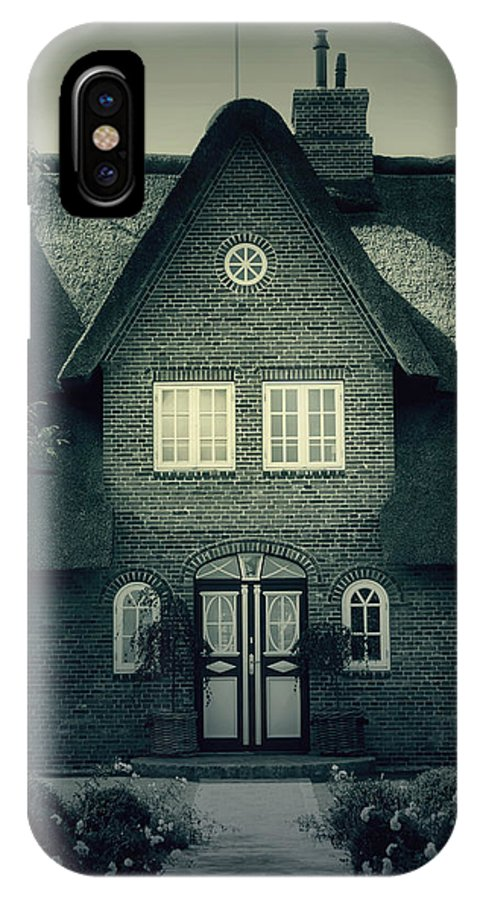 House IPhone X Case featuring the photograph Thatch by Joana Kruse