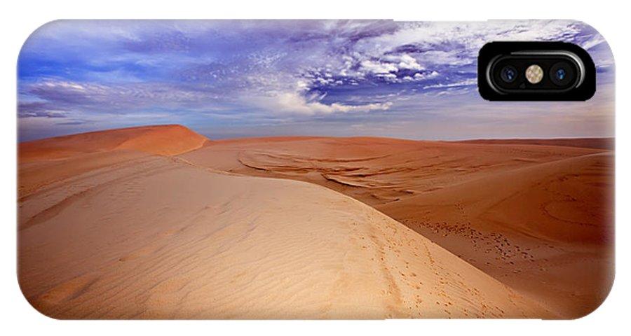Dunes IPhone X Case featuring the photograph Desert by MotHaiBaPhoto Prints