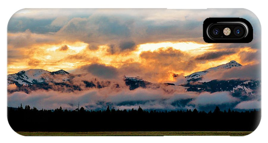 Sunset IPhone X Case featuring the photograph Absaroka Sunset by Ellen Heaverlo