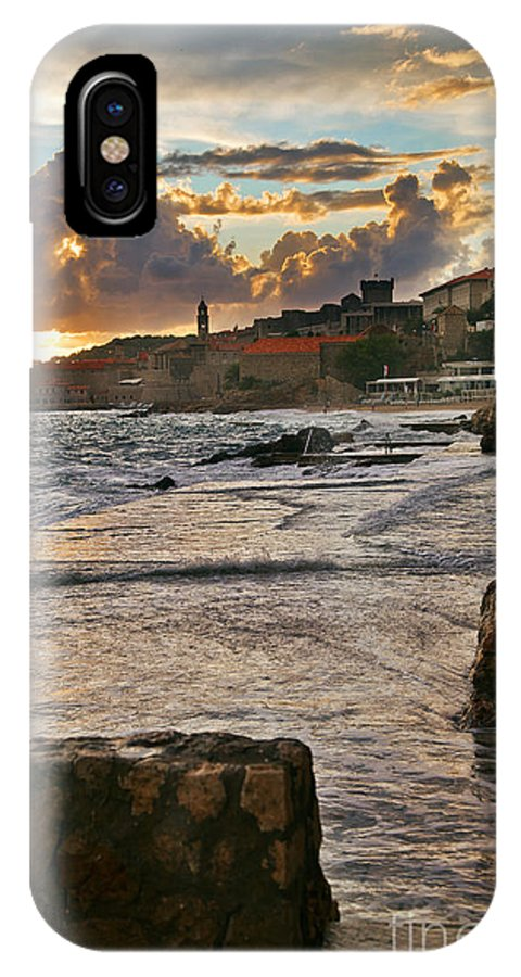 Seascape IPhone X Case featuring the photograph At The Edge Of The World by Madeline Ellis