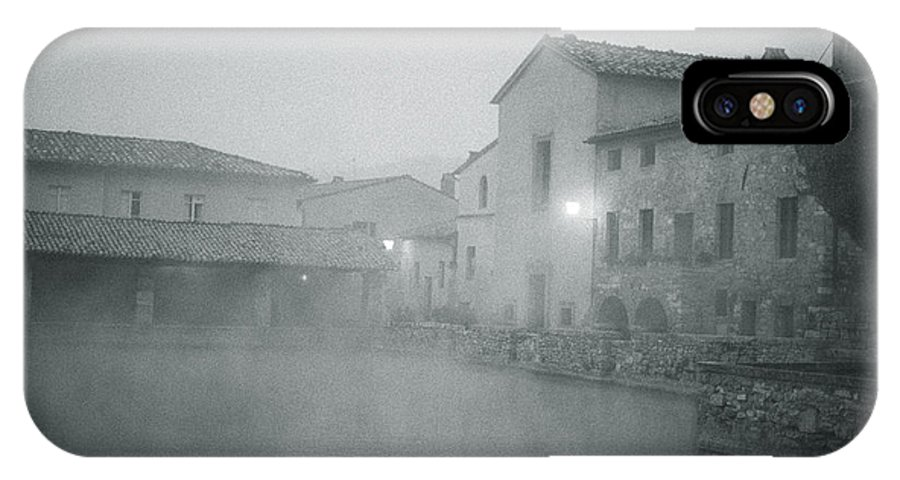 Bagno Vignoni IPhone X / XS Case featuring the photograph Bagno Vignoni by Julie VanDore