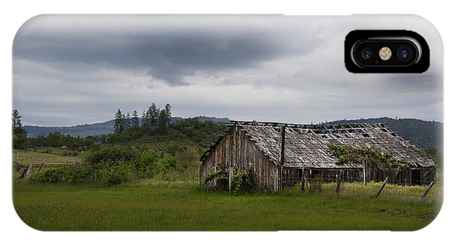 Barn IPhone X Case featuring the photograph Barn Near Shady Cove by Mick Anderson