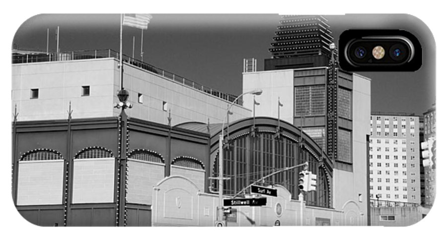 Brooklyn IPhone X Case featuring the photograph Bmt End Of The Line In Black And White by Rob Hans