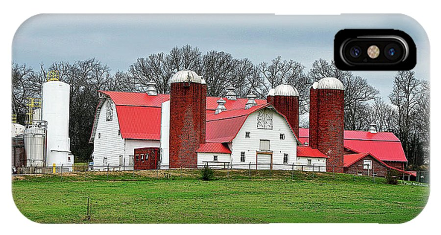 Broadacres Farm IPhone X Case featuring the photograph Broadacres Farm by Paul Mashburn