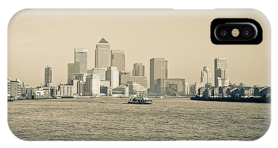 Lenny Carter IPhone X Case featuring the photograph Canary Wharf Cityscape by Lenny Carter