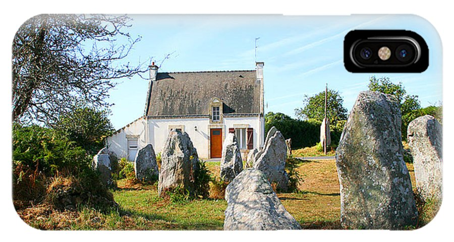 Cottage IPhone X Case featuring the photograph Cottage With Standing Stones by Diana Haronis