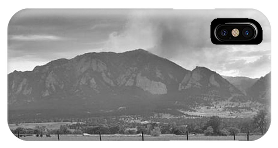 Flagstaff Fire IPhone X Case featuring the photograph Country View Of The Flagstaff Fire Panorama Bw by James BO Insogna