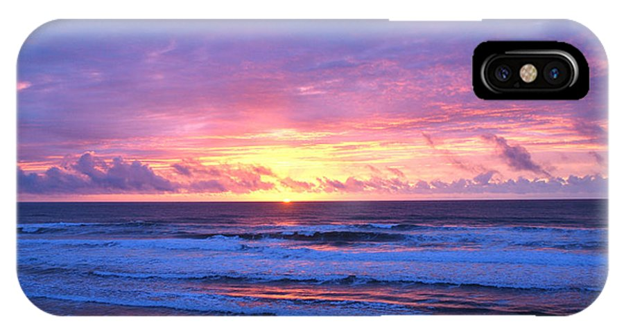Sunset IPhone X Case featuring the photograph Day's End by Eric Tressler