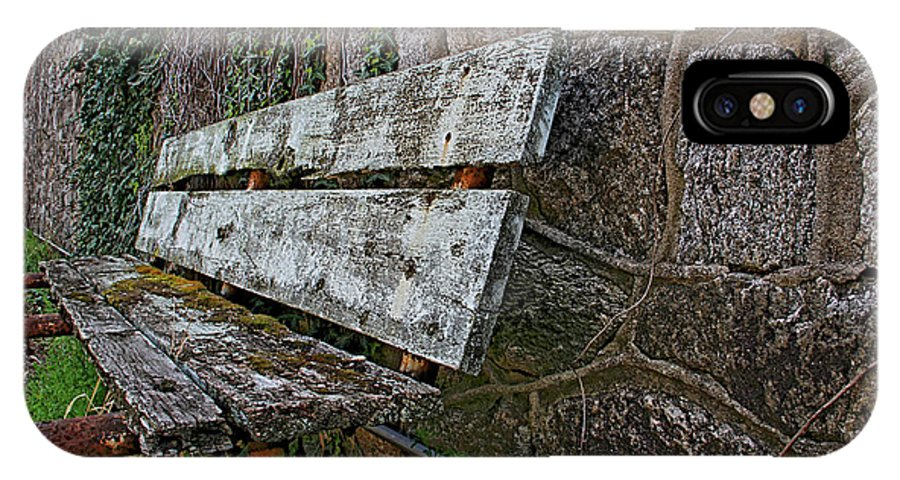 Eastern State Penitentiary Bench Outdoor Philadelphia IPhone X Case featuring the photograph Esp Bench by Alice Gipson