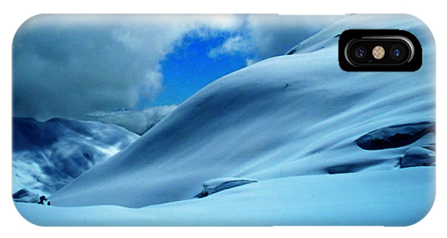 Colette IPhone X / XS Case featuring the photograph Eye Catcher In The Snow by Colette V Hera Guggenheim