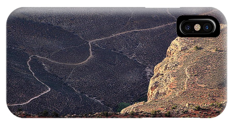 Grand Canyon Trail IPhone X Case featuring the photograph Grand Canyon Trail by Viktor Savchenko