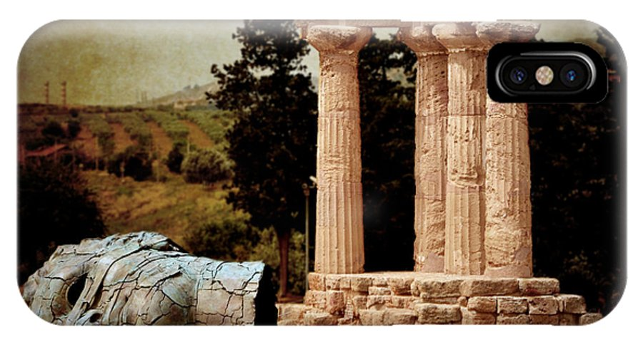 Hermanos IPhone X Case featuring the photograph Head At Temple Of Castor And Pollux by RicardMN Photography