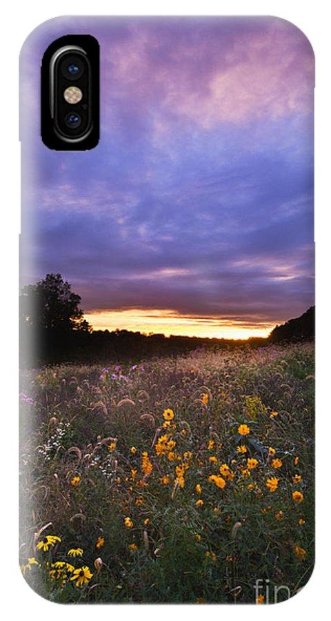 Sun IPhone X / XS Case featuring the photograph Hoosier Sunset - D007743 by Daniel Dempster