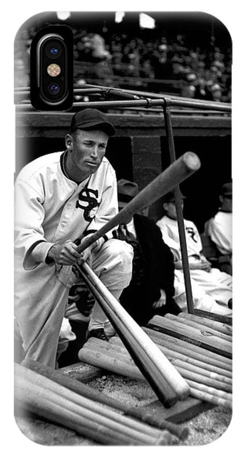 Joe Chamberlain IPhone X Case featuring the photograph Joe Chamberlain - Chicago White Sox by David Bearden