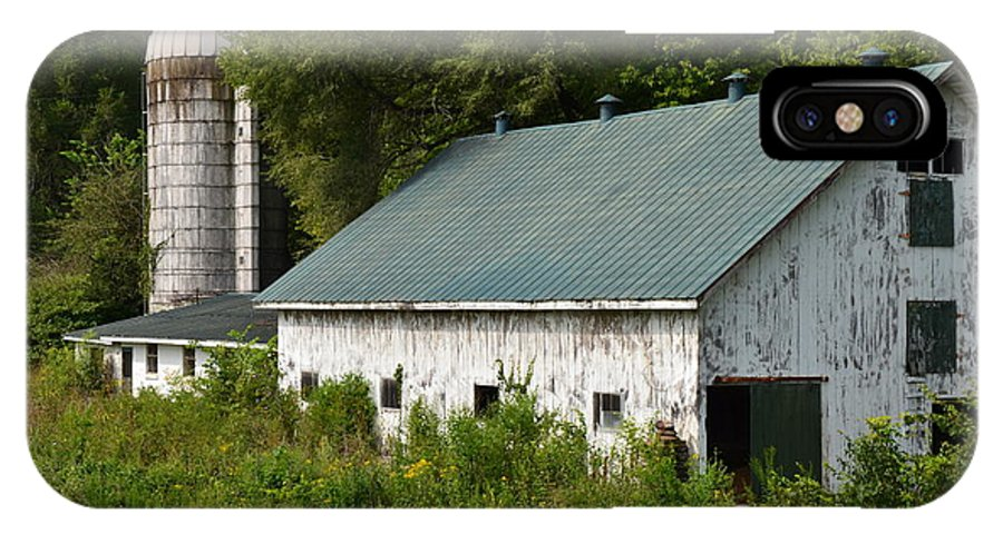 Silo IPhone X Case featuring the photograph Kentucky Silo by Mark Bowmer