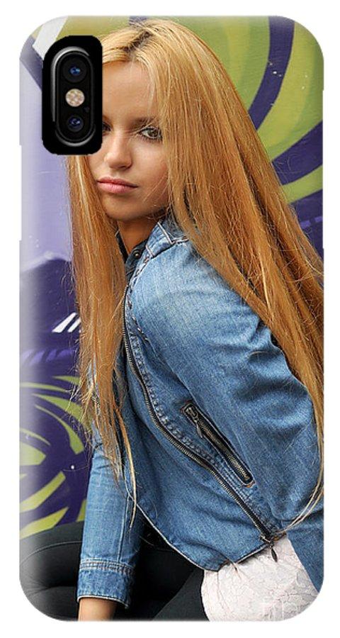 Yhun Suarez IPhone X Case featuring the photograph Liuda8 by Yhun Suarez