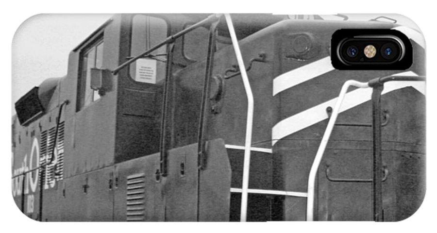 Trains IPhone X Case featuring the photograph Noir Et Blanc Engine 103 by Louis Nugent