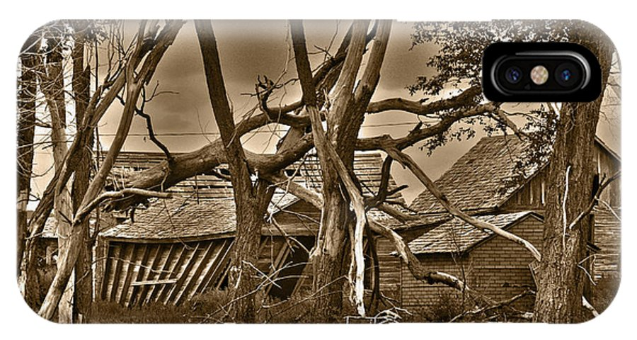 Old IPhone X Case featuring the photograph Old Homestead by Shane Bechler
