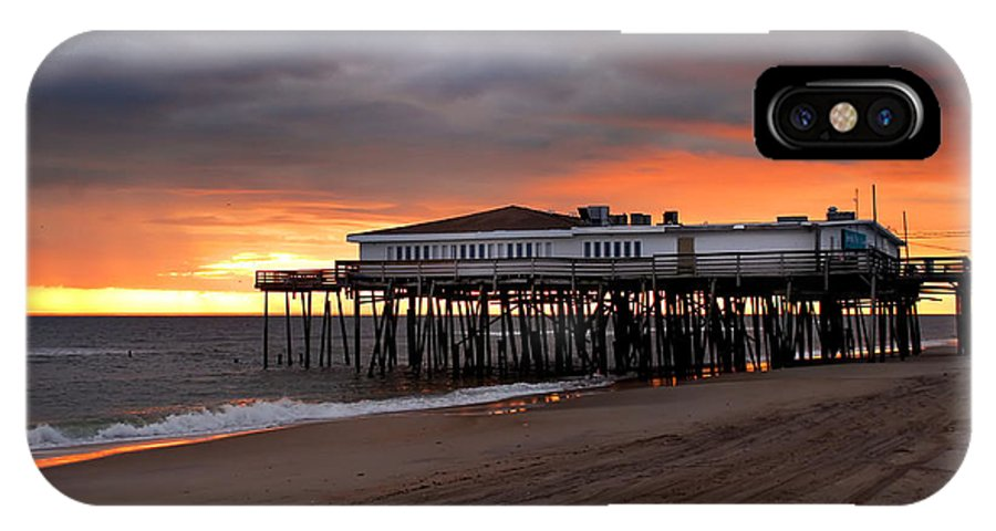 Jennettes Pier IPhone X Case featuring the photograph Old Jennettes Pier by Mary Almond