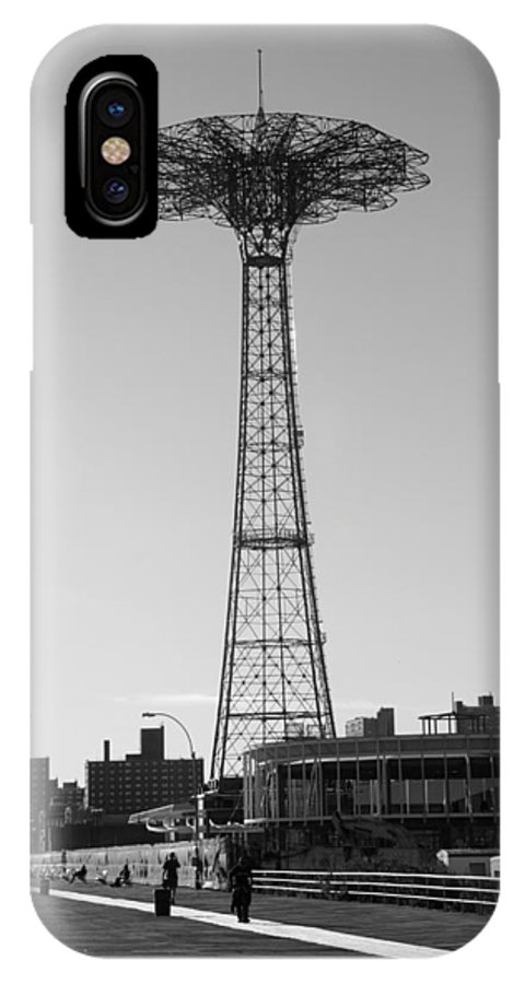 Brooklyn IPhone X Case featuring the photograph Parachute Drop In Black And White by Rob Hans