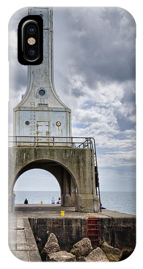 Beacon IPhone X Case featuring the photograph Port Washington Lighthouse by Joan Carroll