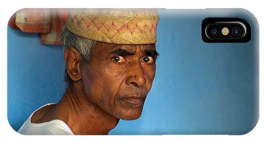 Men IPhone X Case featuring the photograph Portrait Of A Man In Charminar by Valerie Rosen