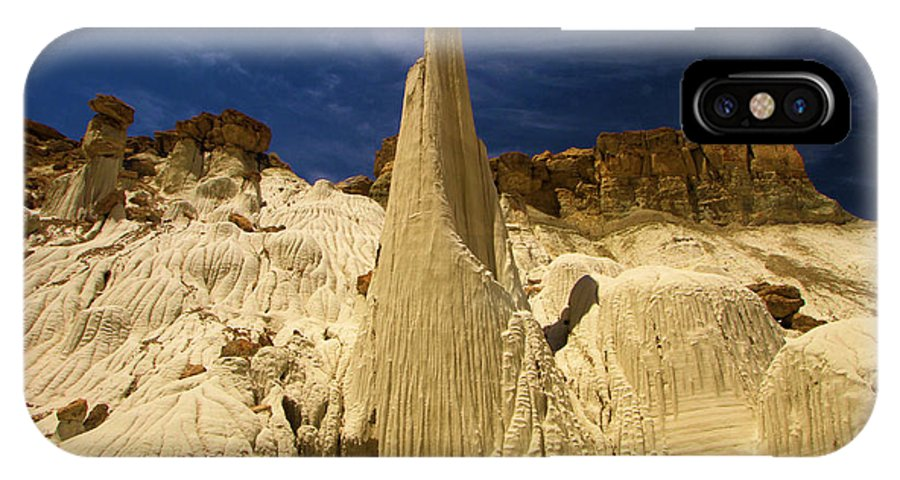 Wahweap Hoodoos IPhone X Case featuring the photograph Queen Of Wahweap by Adam Jewell
