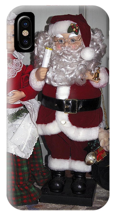 Mr. And Mrs. Santa Figures IPhone X Case featuring the photograph Santa Couple by Sally Weigand