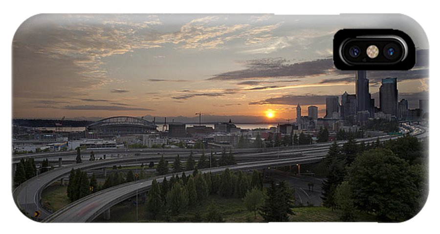 Seattle IPhone X / XS Case featuring the photograph Seattle Arrival Sunset by Mike Reid
