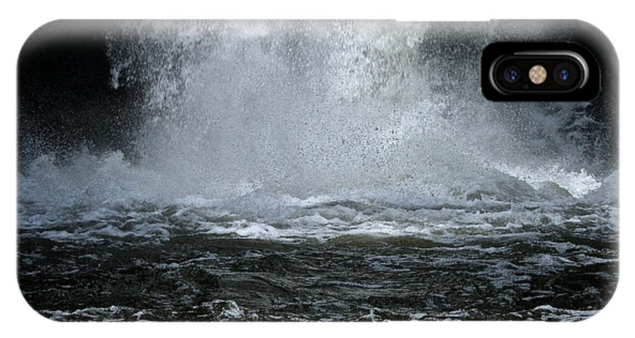 Outdoors IPhone X Case featuring the photograph Splash Down by Susan Herber