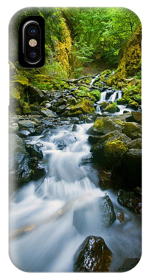 Starvation Creek IPhone X Case featuring the photograph Starvation Creek Falls by Mike Dawson