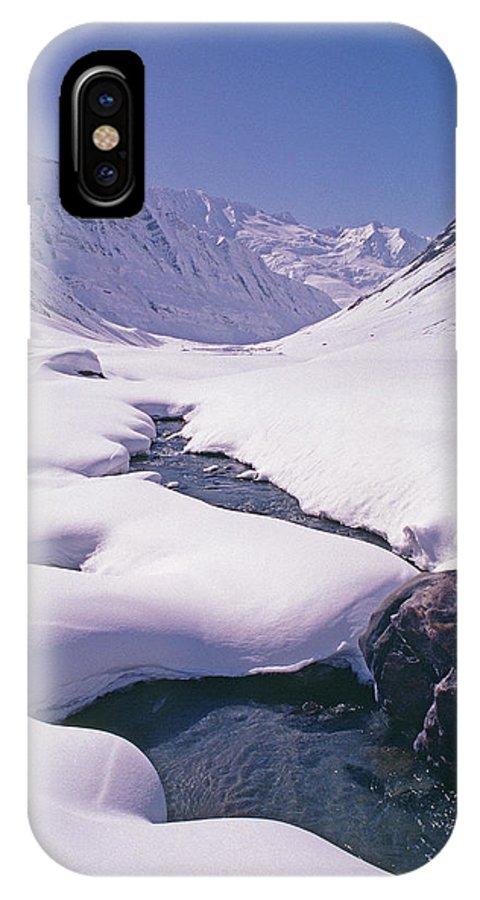 Warwan Valley IPhone X Case featuring the photograph Stream In Warwan Valley by Gordon Wiltsie