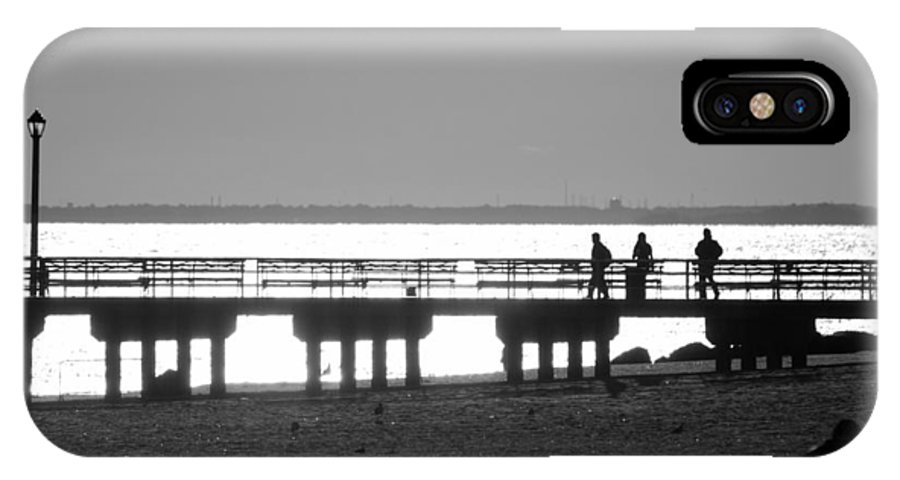 Brooklyn IPhone X Case featuring the photograph Sunsets On Coney Island In Black And White by Rob Hans