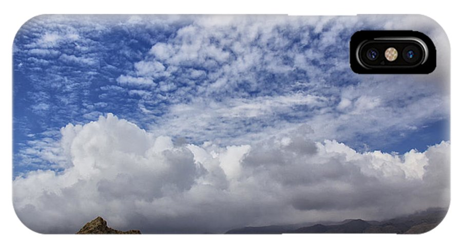 Big Sky IPhone X Case featuring the photograph The Big Sky by Dominic Piperata