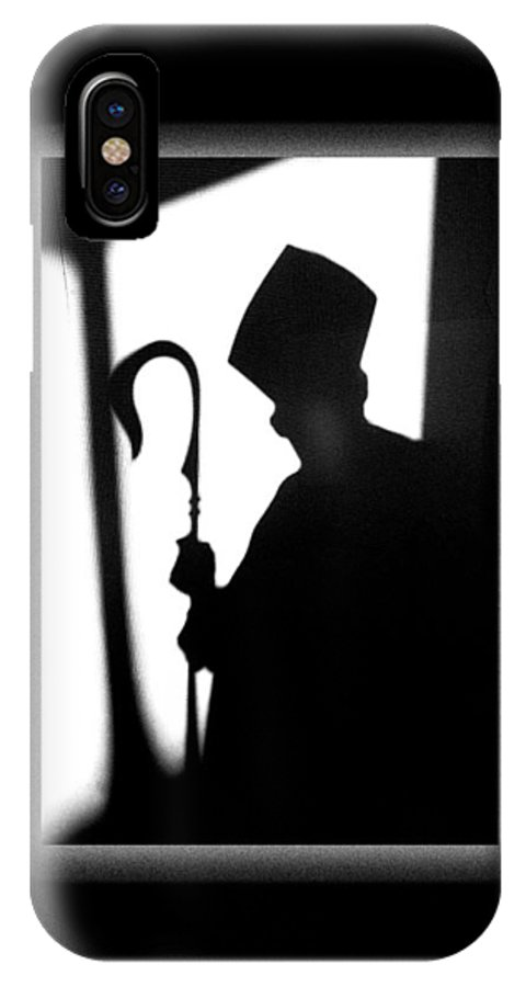 Bishop IPhone X / XS Case featuring the photograph The Bishop by Mike Penney
