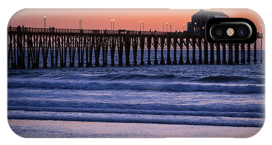 Bronstein IPhone X Case featuring the photograph Twilight At Imperial Pier by Sandra Bronstein