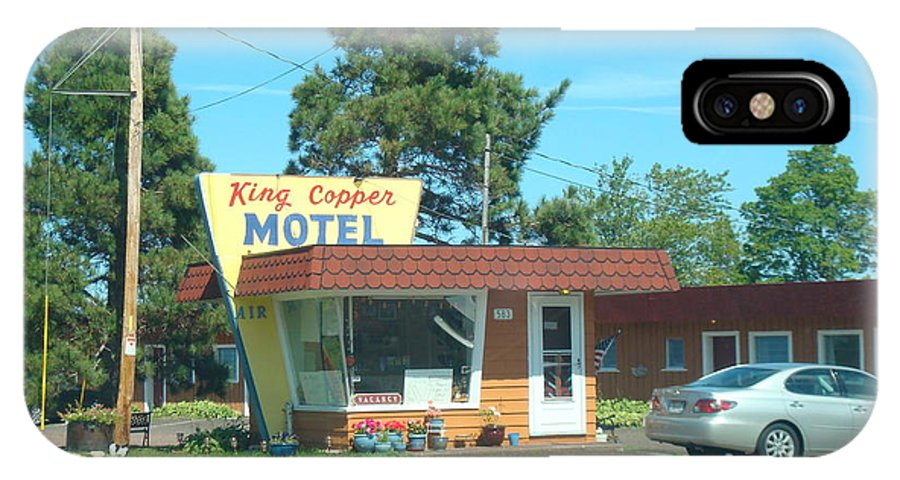 Motel IPhone X Case featuring the photograph Vintage Motel by Bonfire Photography