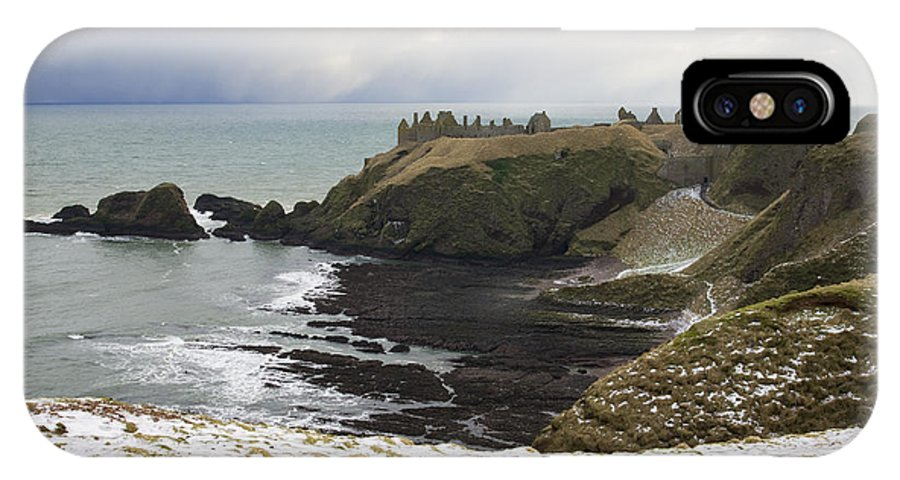 Dunottar IPhone X Case featuring the photograph Winter Storm At Dunottar by Howard Kennedy