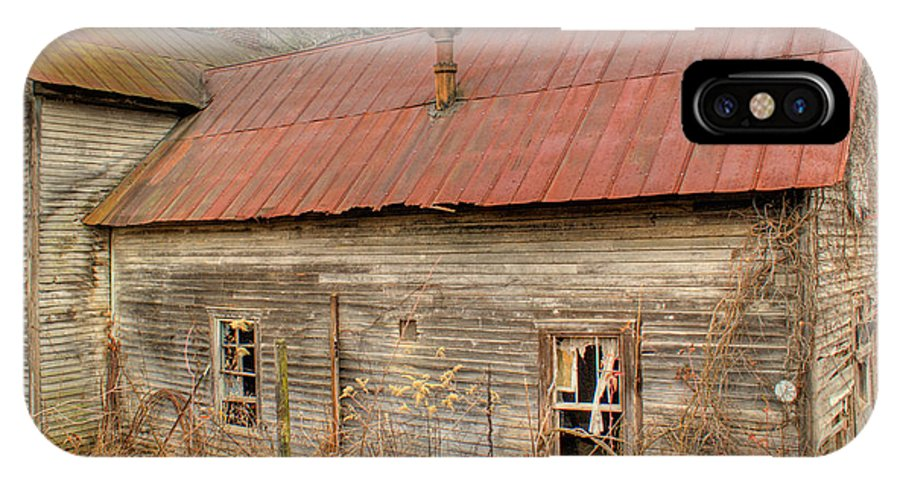 Farmhouse IPhone X Case featuring the photograph Abandoned Farmhouse In Kentucky by Douglas Barnett
