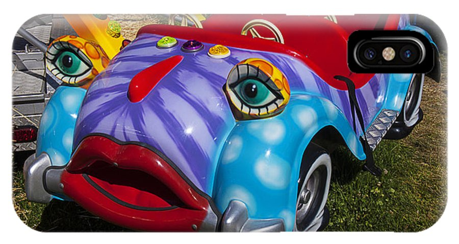 Kitty Car Ride IPhone X Case featuring the photograph Car Ride by Garry Gay