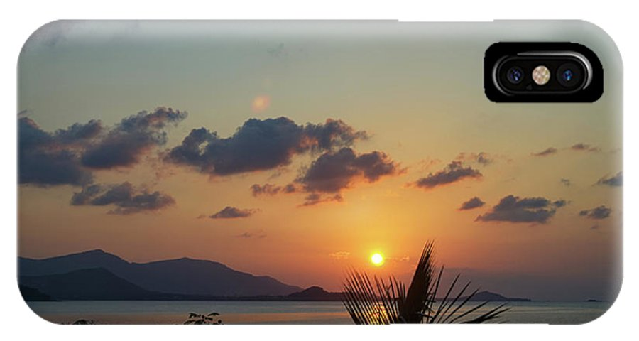 Michelle Meenawong IPhone X Case featuring the photograph Glowing Horizon by Michelle Meenawong