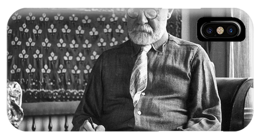 1939 IPhone X Case featuring the photograph Henri Matisse (1869-1954) by Granger