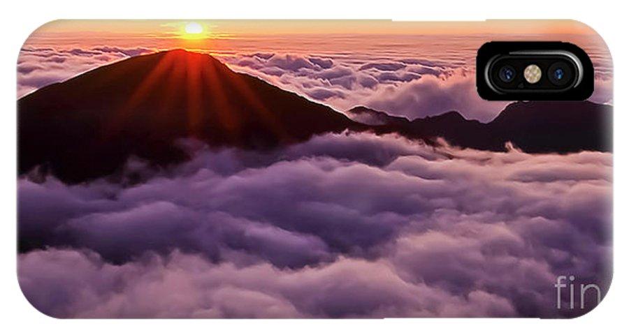Haleakala IPhone X Case featuring the photograph Sunrise Above the Clouds Maui, Hawaii by Jim Cazel