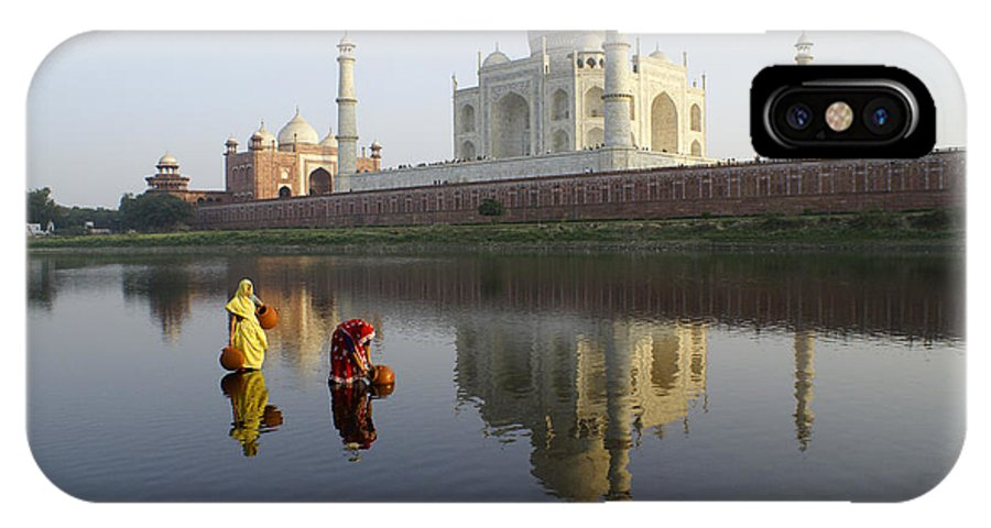 Taj Mahal IPhone X Case featuring the photograph Timeless Taj Mahal by Michele Burgess