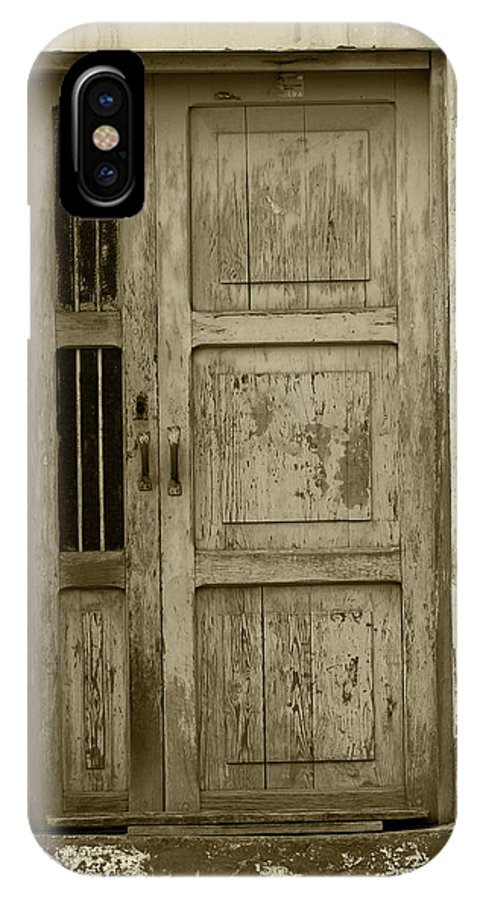 Door IPhone X Case featuring the photograph Weathered Gray Door In A Wall by Robert Hamm