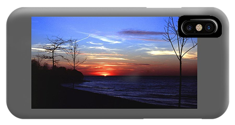 Sunset IPhone X Case featuring the photograph 112601-54 by Mike Davis