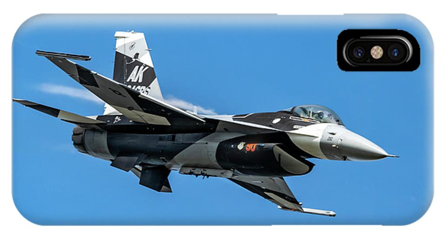 18th Aggressor Squadron IPhone X Case featuring the photograph 18th Aggressor Sgn Viper Pulling Up Trailing Vapes by Joe Kunzler