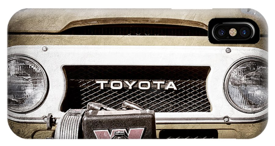 1978 Toyota Land Cruiser Fj40 Grille Emblem IPhone X Case featuring the photograph 1978 Toyota Land Cruiser Fj40 Grille Emblem -0558ac by Jill Reger